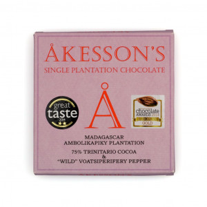 """Åkesson's Trinitario Cocoa & """"Wild"""" Voatsiperifery Pepper 75% Vorderseite"""